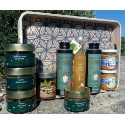 Voyage des saveurs dans un charmant plateau en bois